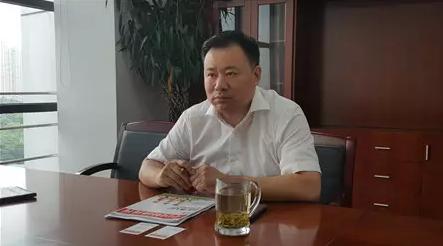 苏州市吴江区环保局局长蔡建忠介绍喷水织机整治情况